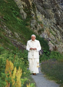 CHE: Pope Benedict XVI?s Vacation Visit To Switerland